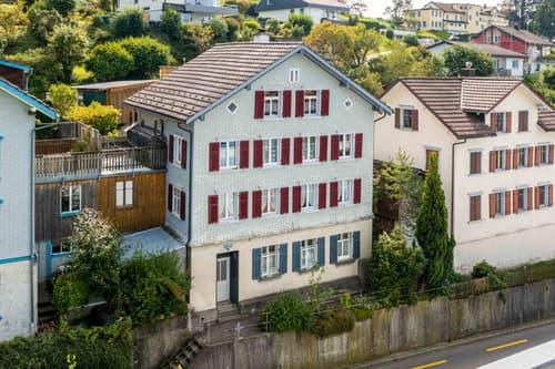 Charmantes Mehrfamilienhaus mit Aussicht