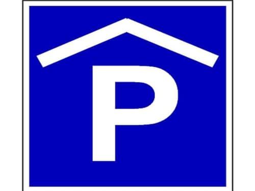 Parkieren Sie Ihr Auto im Trocknen