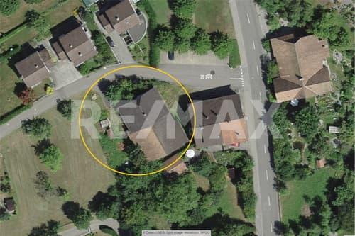 Erlinsbach SO, Kernzone, GF 808 m², BGF 484 m², ÖV / Einkauf 100 m, für EFH, Doppel-EFH oder 2 ETW (1)