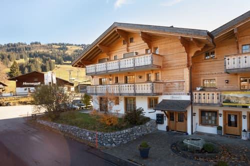 Ski-in / Ski-out 4.5-Zimmerwohnung im Chalet Harmonie (1)