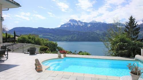 Mediterranes Einfamilienhaus mit Swimmingpool und Panoramaseesicht