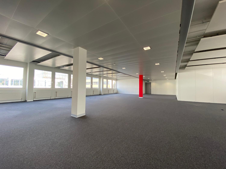 Ausgebaute und gekühlte Erdgeschossfläche beim Bahnhof