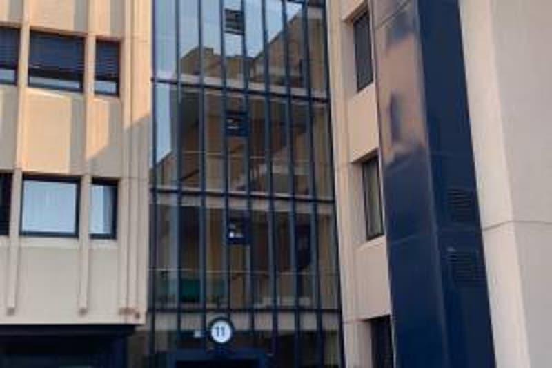 A vendre : Locaux commerciaux de 212m2 sis au 3e étage du Centre industriel des Baumettes (5)