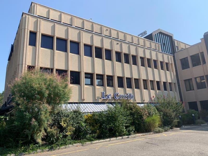 A vendre : Locaux commerciaux de 212m2 sis au 3e étage du Centre industriel des Baumettes (2)