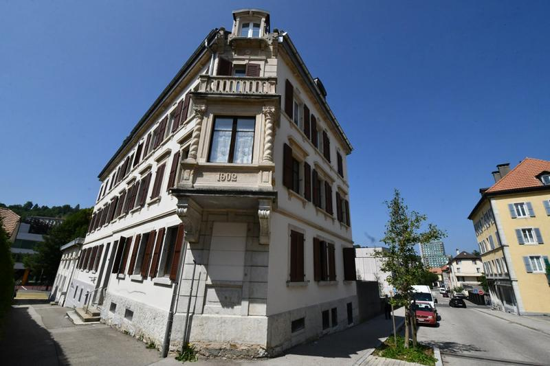 Immeuble locatif avec garages avec très bon potentiel (1)