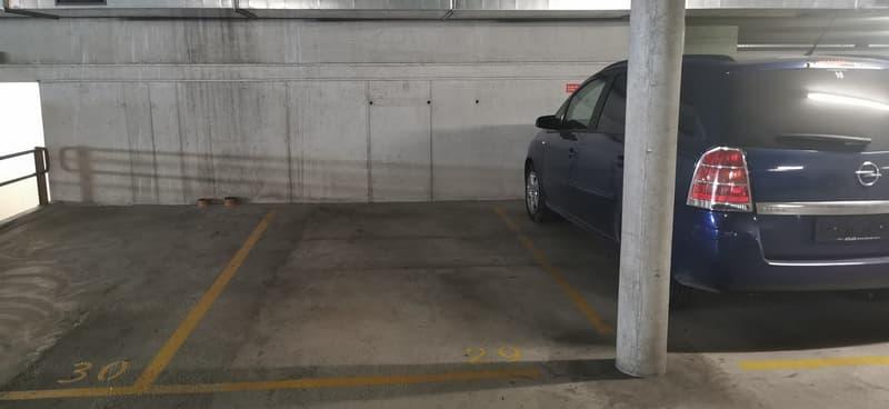 Place de parc dans le garage ! (1)