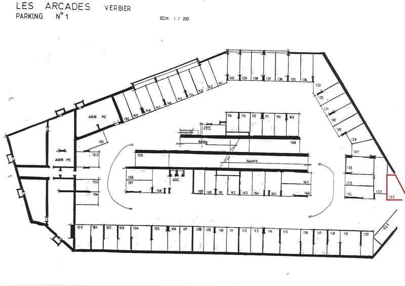 Place de parc dans la résidence des Arcades (2)