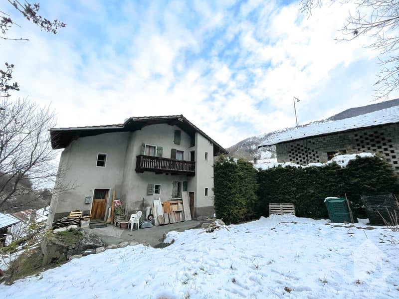 Maison villageoise à rénover (1)