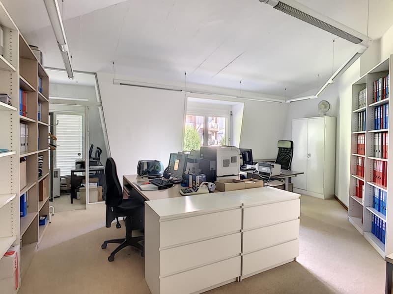 Bureau de 7,5 pièces au centre de Lausanne (8)