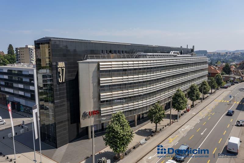 Bureaux et places de parcs au centre de Fribourg, CHF 199.-/m2/an (1)