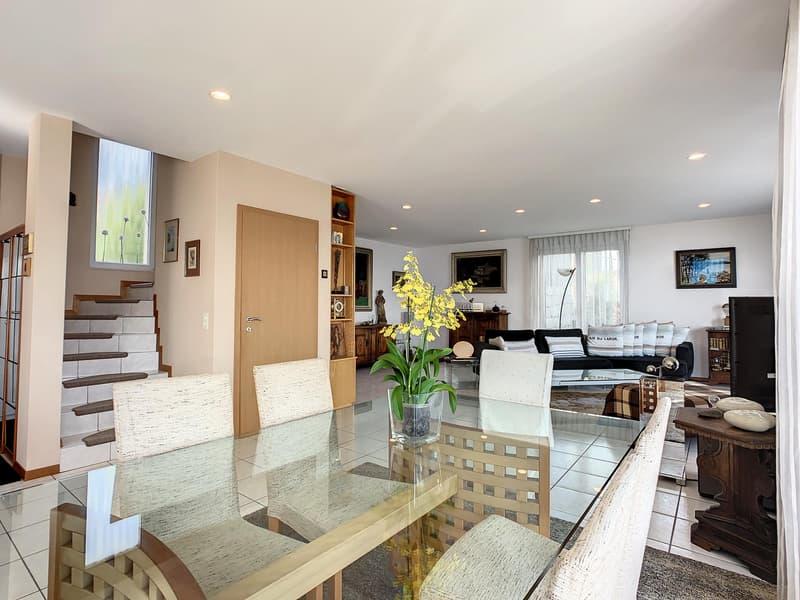 En exclusivité : Propriété de 300 m² avec vue imprenable (2)