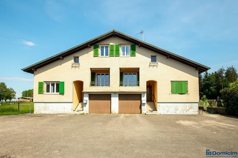 Grande maison jumelle avec piscine intérieure (13)