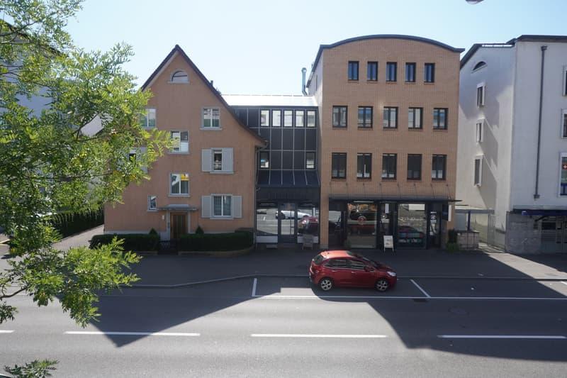 Vollvermietetes Wohn- und Geschäftshaus an prominenter Passantenlage im Zentrum von Wettingen (1)