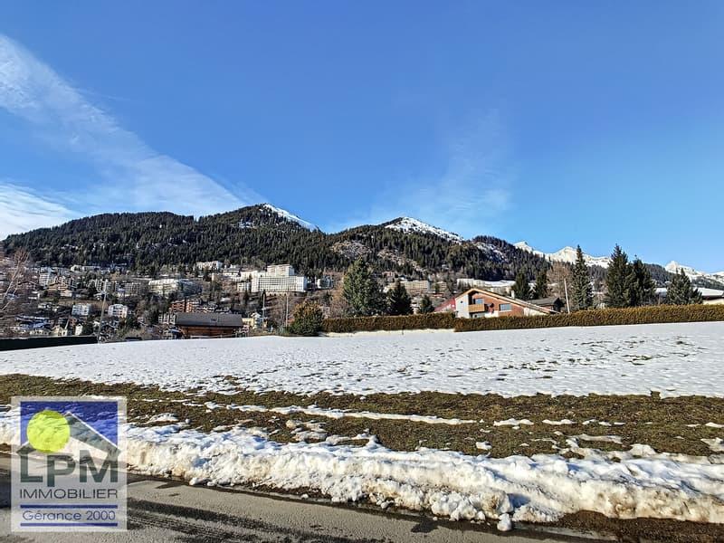 6 terrains d'environ 1'126m2 à vendre dans le bas du village. (3)