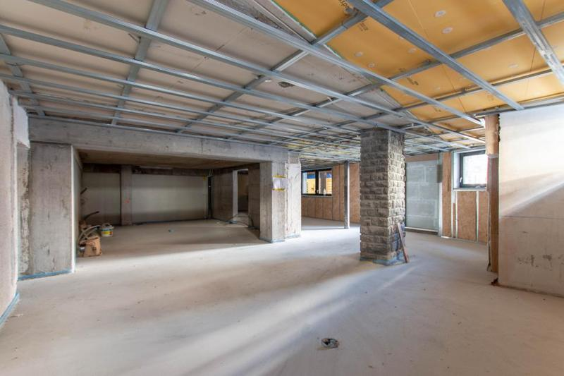 Au centre de la station, surface commerciale brute avec possibilité de la transformer en restaurant (1)