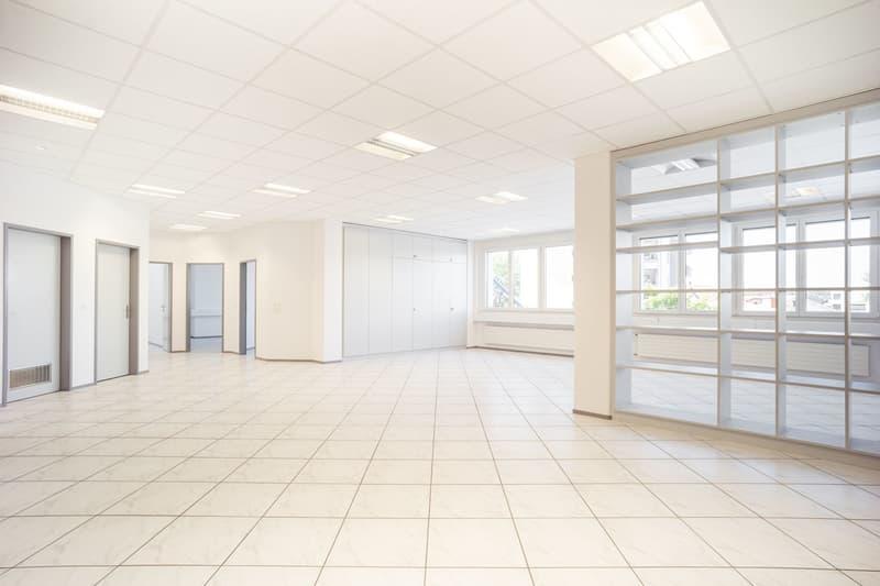 Ausgebaute Bürofläche, einstecken und loslegen! (2)