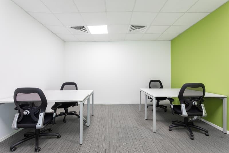Uffici arredati per 3 o 4 persone Regus Cassarate (1)
