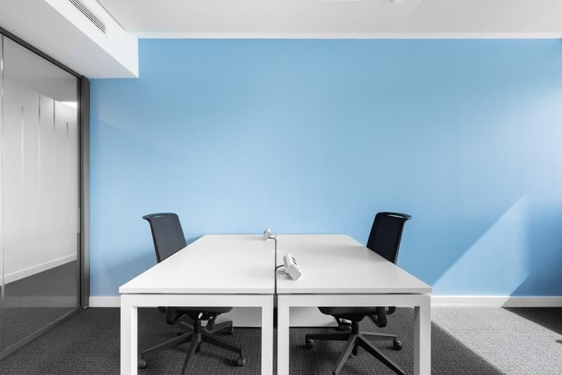Flexible Arbeitsplätze mit eigenem Schreibtisch in Regus City Old Town (1)