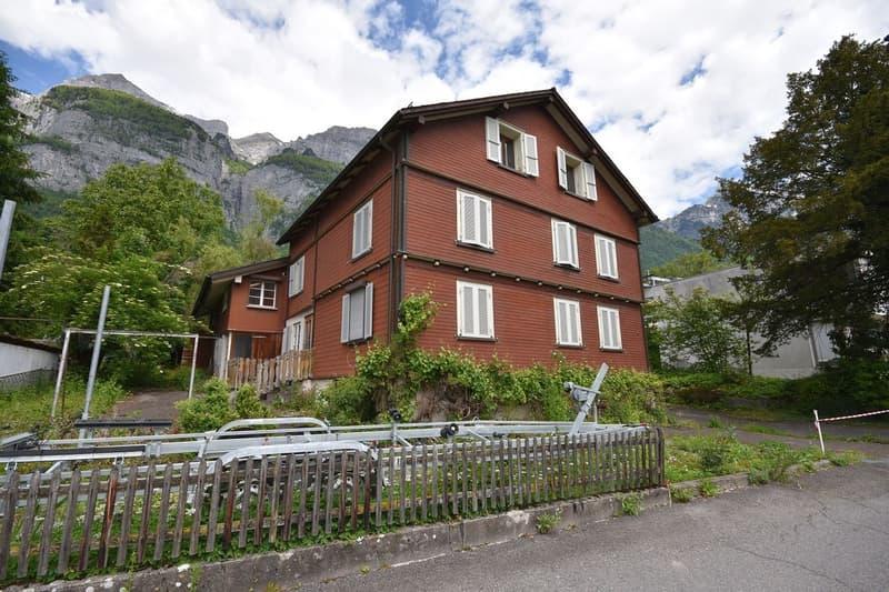 Zweifamilienhaus auf 793m2 Baulandparzelle (WG3), 200 Meter vom Walensee (1)
