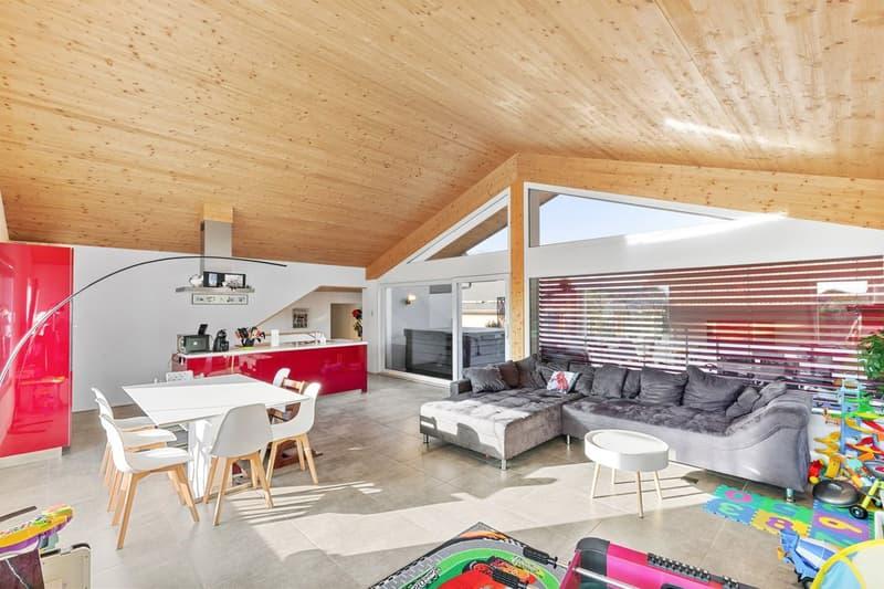 Lumineuse maison individuelle composée de deux appartements à Champlan (2)