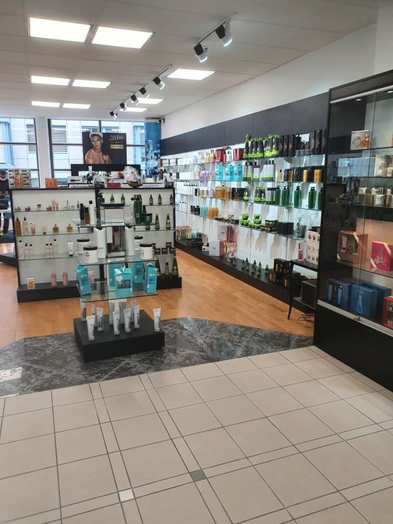 Fribourg : Boutique dans Centre commercial (3)