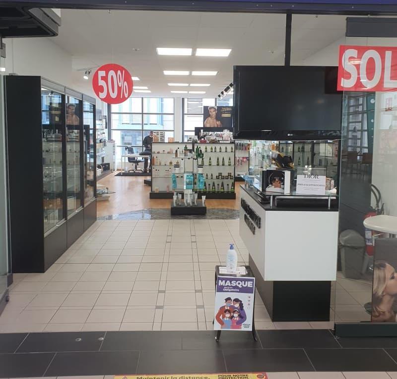 Fribourg : Boutique dans Centre commercial (1)