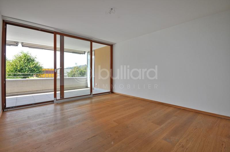 Bel appartement de 3.5 pièces avec un grand balcon (2)