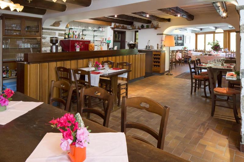 Ristorante con alloggio a Ponte Brolla / Restaurant mit Unterkunft in Ponte Brolla (2)