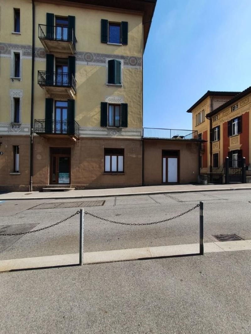 Affittasi a Lugano Spazi commerciali con vetrina (1)