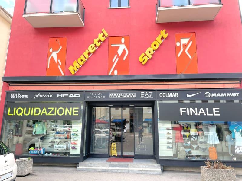 Spazio commerciale in Piazza Grande (1)