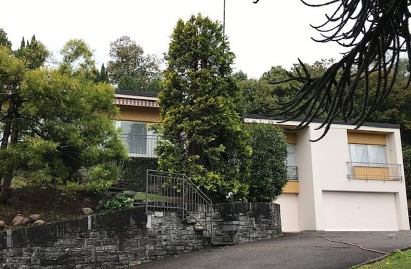 STABIO Villa 5.5 locali con piscina e vista aperta (2)