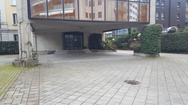Intero stabile ad uso amministrativo in zona centrale a Lugano (5)