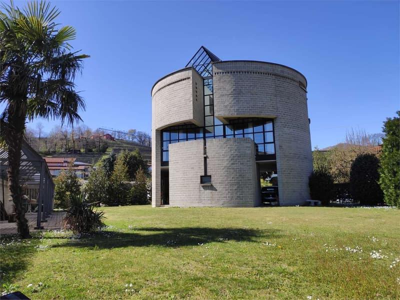 Stabio, la casa rotonda di Mario Botta (1)