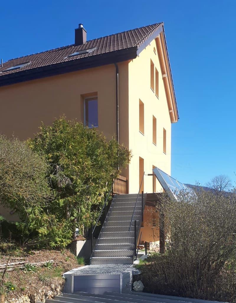 Propriété de 2 appartements au centre de Cormoret (1)