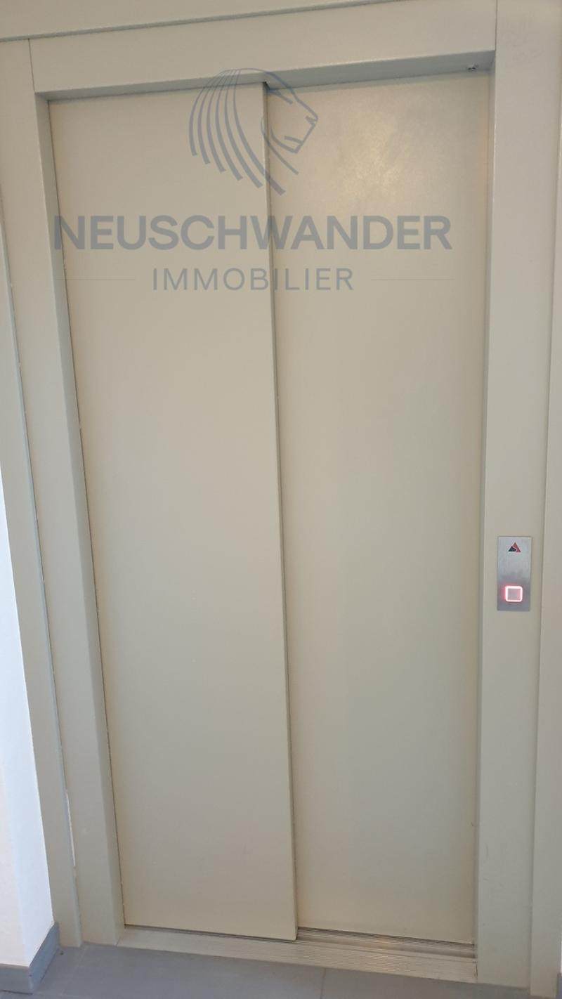 ascenseur / Aufzug / elevator
