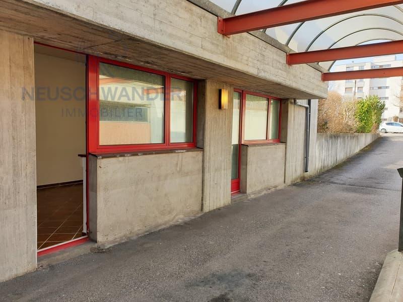 Plusieurs locaux commerciaux avec entrées indépendantes - 270 m2 (10)