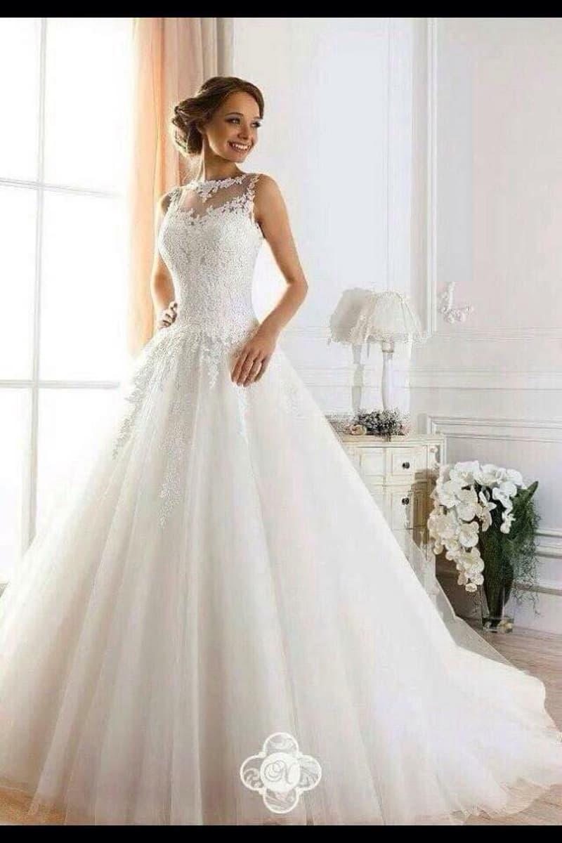 Region Bern : charmante Brautmode Boutique zu verkaufen (1)