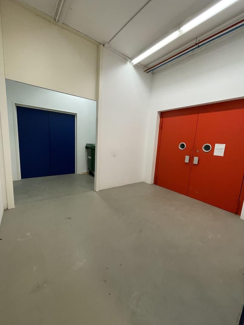 Surface d'activité dans un immeuble administratif et artisanal d'environ 135m2 à Romanel (2)