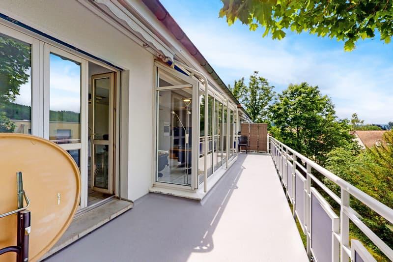 Geräumige 6.5-Zi-Dachmaisonettewohnung mit sonnenverwöhnter Terrasse (2)