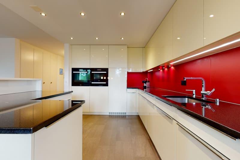 Luxuriöse 5½ Zimmer Wohnung mit viel Komfort (1)
