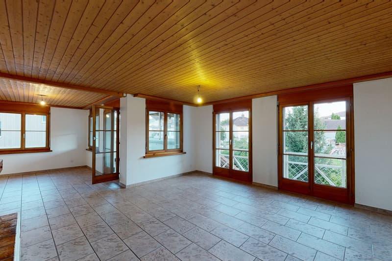 Grosszügige 6 1/2 Dach-Maisonettewohnung mit grosser Spielwiese (2)