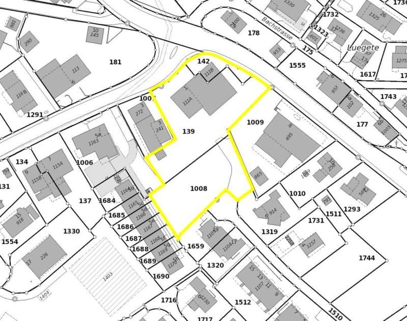 Baulandparzelle an zentraler Lage mit viel Potential (2)