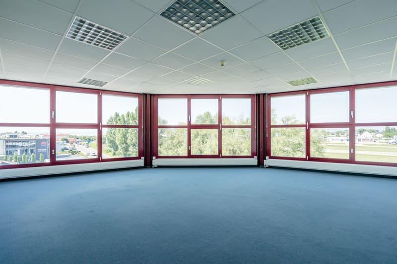 Einziehen und abheben - Ihr neuer Geschäftssitz in unmittelbarer Nähe zum Flughafen Altenrhein (2)