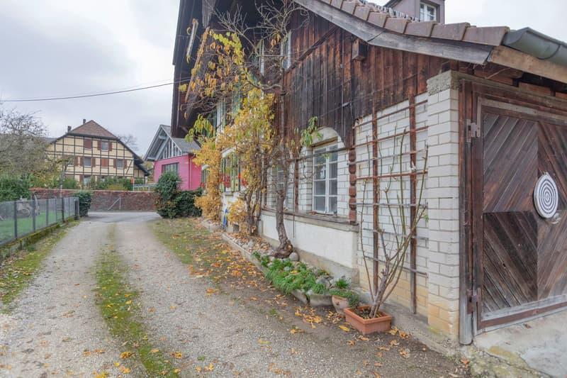 Umgebautes 5-Familien-Bauernhaus am Dorfrand mit Baulandreserven (2)
