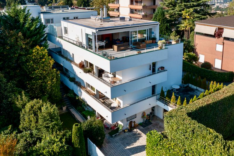 Splendida Palazzina a Reddito di 5 Appartamenti con Vista Lago e Monti (2)