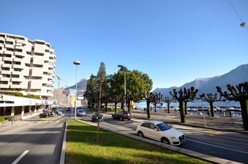 Spazio commerciale di 85 mq sul lungolago in centro di Lugano (2)