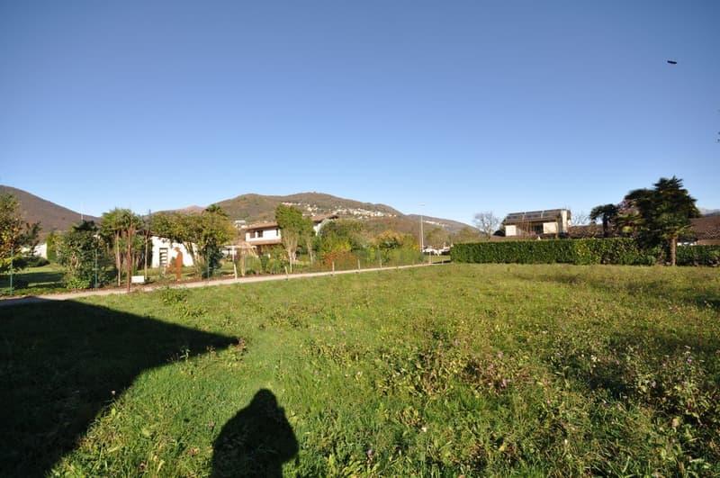 Terreno Edificabile Orientato a Sud, 400 metri dal Lago di Lugano (1)