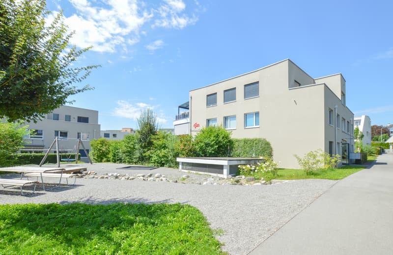 Wohnanlage Eschenpark - Spielplatz, Schwimmteich und viel Grün - der perfekte Platz für die Familie