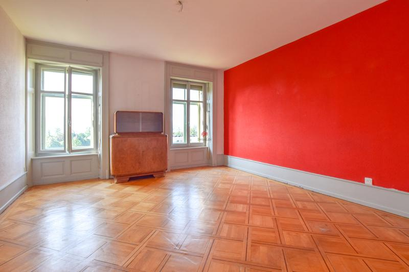 2. Obergeschoss: Zimmer / 2. Etage: Chambre