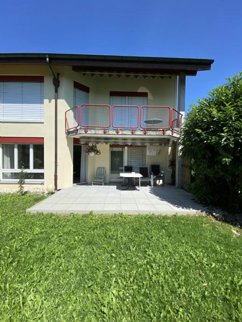 Eigentumswohnung mit grossem Sitzplatz zu verkaufen (1)